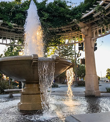 on the square (pbo31) Tags: livermore eastbay alamedacounty iphone7 color july 4th summer 2017 boury pbo31 fountain downtown spalsh hot water