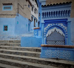 a communal fountain (SM Tham) Tags: africa morocco rifmountains chefchaouen thebluecity thebluepearl cityscape fountain communal watersource taps tiles decorations art buildings steps patterns design