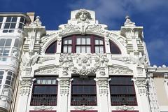 LA CORUÑA - LA CASA ARAMBILLET (DETALLE) (mflinera) Tags: la coruña galicia casa arambillet arquitectura modernismo