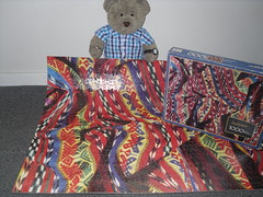 Me blankit! (pefkosmad) Tags: jigsaw puzzle leisure hobby pastime complete 1000pieces vintage unopened tightfit blankets pattern miltonbradley justimagine patterns tedricstudmuffin ted teddy bear cute soft stuffed plush fluffy animal