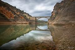 El Puente (jetepe72) Tags: puente embalse paisaje zaragoza aragon nuevalos jaraba rio