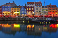 I colori del Nord / Nordic colors (Nyhavn, Copenhagen, Denmark) (AndreaPucci) Tags: nyhavn denmark new harbour copenhagen night andreapucci canoneos60