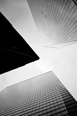 One World Trade Center in B&W (Jenny Hoo) Tags: oneworldtradecenter worldtradecenter nyc newyork newyorkcity newyorker thisisnewyork blacknwhite blackandwhite architecture buildings dark unitedstate canon landscape 纽约 曼哈顿 世贸中心 建筑