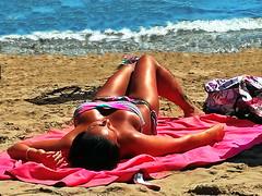 Sunbath on the beach. (gerard eder) Tags: beach playa strand sunbath sonnenbad beachlife europa europe españa spain spanien valencia mediterraneo mediterranean mediterraneansea meer mittelmeer malvarrosa outdoor