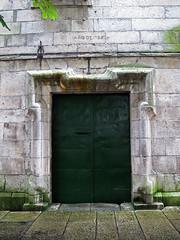 A Coruña (Rafa Gallegos) Tags: galicia acoruña españa spain iglesia igrexa igreja church monasteriodesantabarbara monasterio monastery antiguo old piedra stone puerta door