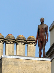 Gormley on Broad Street, Oxford, UK (mira66) Tags: gwuk gormley statue nude man sculpture exetercottege roof chimneys oxford