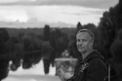 Et une autre vue sur la Seine (And another view of the Seine) (l'imagerie poétique) Tags: pierre limageriepoétique digital numérique laseine reflets reflections sunset vuedelapasserelle viewfromthefootbridge