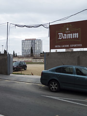 _DSF9010 (Toni M. Micó) Tags: fotoespai barcelona noubarris 9barris porta damm