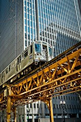 The newer CTA. stainless steel cars. (Chicago Rail Head) Tags: chicagoloop newstainlesssteellcars cta masstransit