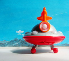 Happyland Early Learning Centre iPlay Ailen Space Ship UFO Flying Saucer With Sounds And Lights 2010 : Diorama Bonneville Salt Flats - 14 Of 17 (Kelvin64) Tags: happyland early learning centre iplay ailen space ship ufo flying saucer with sounds and lights 2010 diorama bonneville salt flats