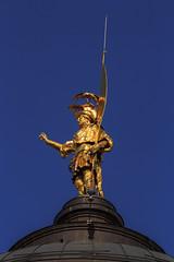 Colleoni's symbol, Bergamo (filippi antonio) Tags: bergamo colleoni lombardia italy italia statue sculpture art gold goldstatue symbol sky blue bluesky canon immaginidalnord