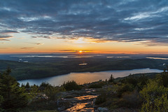 Acadia National Park - Cadillac Mountain Sunset 30 (raelala) Tags: justmainethings2017 acadianationalpark barharbor cadillacmountain canon1755mm canon7d canoneos7d findyourpark goexplore goldenhour maine memorialdayweekend memorialdayweekend2017 mountdesertisland mtdesertisland nationalpark newengland photographybyrachelgreene roadtrip scenicoverlook sunset thatlalagirl thatlalagirlphotography thatlalagirlcom travel usnationalparks