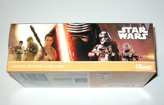 kleenex limited edition star wars the force awakens packaging box of aloe vera large and thick tissues 2016 kimberley clarke disney australia misb c (tjparkside) Tags: kleenex limited edition star wars packaging box aloe vera large thick tissues 2016 kimberley clarke disney australia 2 styles new hope force awakens episode iv four 4 seven 7 vii kylo ren sith lightsaber lightsabers bb8 droid droids finn chewbacca rey captain phasma first 1st order flame trooper tie fighter staff bowcaster blaster blasters thrower