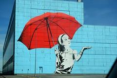 Päike ja vihm (anuwintschalek) Tags: nikond7000 d7k 18140vr eesti estland estonia tallinn suvi sommer summer july 2017 kunst art vihmavari umbrella regenschirm wandmalerei seinamaal hoone maja building lasnamäe gebäude wand sein wall