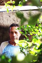 Pai <3 (annaclarac) Tags: folhas brasil brazil adulto verde mato fotografeumaideia