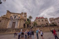 DSC_9316 Piazza Bellini (Pasquesius) Tags: sicilia palermo sicily piazzabellini chiesa church martorana chiesadellammiraglio bifore mullions tower campanile torre domes cupole sancataldo