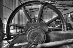 Gaskompressoren Alt (bLiCk-WiNkL) Tags: old machine gaskompressor schwungrad maschine alt dortmund deutschland europa europe kokerei hansa bearbeitet tonemapped