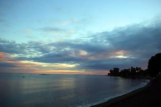 170712 Sunrise sur la plage du Taaone, Pirae, Tahiti