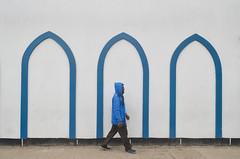 The blue man! (ashik mahmud 1847) Tags: bangladesh d5100 nikkor pattern blue people man street white background