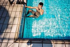 (埃德溫 ourutopia) Tags: film fuji fujifilm fujicolor 400 業務用 記録用フィルム 記録用カラーフィルム canon canonprima canonprimaas1 filmphotography analog analogphotography waterproof water waves guy man summer sunshine blue swimming swimmingpool フィルム