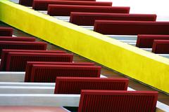 No privacy (meghimeg) Tags: 2017 sestrilevante casa building persiane blind colori colors rosso red rot giallo yellow prospettiva perspective