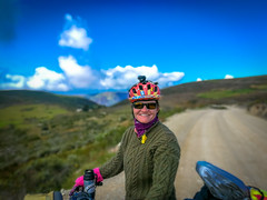 Amanda staying warm as we descend into Valle Condebamba.
