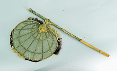 Celluloid and bamboo fan (Madison Historical Society (CT-USA)) Tags: madisonhistoricalsociety madisonhistory mhs madison connecticut conn ct country usa newengland nikond600 nikon d600 bobgundersen old antiques museum historical history allisbushnellhouse abhouse bostonpostroad route1 accessories clothing interesting image inside indoor interior photo picture costume shot flickr
