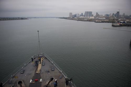 lsd52 usspearlharbor underway atsea pacificocean