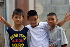 friends (the foreign photographer - ฝรั่งถ่) Tags: feb132016nikon three boys guys young men khlong thanon portraits bangkhen bangkok thailand nikon d3200