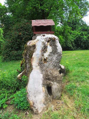 Slavkov u Brna - zámecká zahrada - ptačí budka
