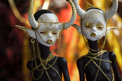 Otto (MisMantis) Tags: bjd ball jointed doll dim chateau hybrid dyed black gold mod modding chains