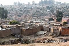 Lubango (10b travelling) Tags: 10btravelling 2016 africa african afrika afrique angola angolan carstentenbrink iptcbasic lubango places southwest sádabandeira corrugated roof shanty south southern southwestafrica southwestern tenbrink