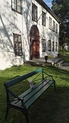 Bookcrossing release (zimort) Tags: bok book bookcrossing wildrelease gjøvik gjøvikgård benk bench norge norway norwegen