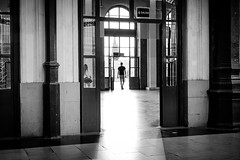 Exit (fernando_gm) Tags: blackandwhite bw blancoynegro monochrome monocromo monocromatico people person persona light contrast contraste fujifilm fuji f14 35mm gente human humano street callejera calle madrid españa estacion station