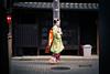 Kyoto - Gion -Maikosan (fouederni) Tags: gion apprentice maiko kyoto geiko japon lantern kimono japan street mametama