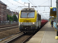 NMBS/SNCB 1315 @ Ruisbroek (Sim0nTrains Photos) Tags: nmbs class13 electriclocomotive sncbclass13 alstom bombardiertransportation bombardier belgiannationalrailways ruisbroekstation ruisbroekrailwaystation line96 railroad96 stationruisbroek sncb 1315 nmbssncb