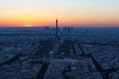 Paris, la vieille Dame (Didier Ensarguex) Tags: levieilledame latoureiffel coucherdesoleil heuredorée paris 75 canon 5dsr didierensarguex 2470l28