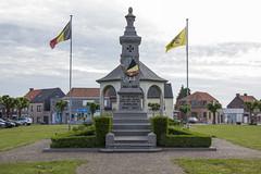 War Memorial - Wytschaete (jsphotosireland) Tags: war memorial worldwar1 ww1 worldwar2 ww2 belgium flanders wytschaete wijtschate 19141918 19401945 vaderland flag commemoration nikond810 nikon28300mmf3556ged westflanders irl