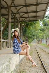 train & girl (huangdid) Tags: fuji fujiflim xt2 xf90
