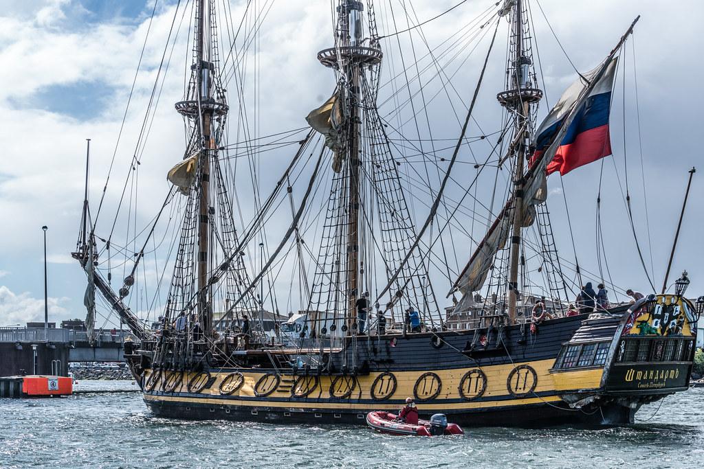 THE FRIGATE SHTANDART [TALL SHIPS LEAVING DUBLIN PORT TUESDAY JUNE 6 2017]-129406