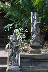 Sculpture (MelindaChan ^..^) Tags: hindu temple bali indonesia 印尼 巴里島 chanmelmel mel melinda melindachan heritage art culture architecture sculpture life people