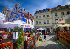 Old Town Szczecin, Poland (` Toshio ') Tags: toshio szczecin poland polish europe european oldtown europeanunion cafe restaurant woman people path history fujixe2 xe2