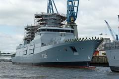 """Fregatte F225 """"Rheinland-Pfalz"""" nach ihrer Taufe (hu.roescheisen) Tags: bundeswehr marine blohmvoss f225 rheinlandpfalz hamburg hafen elbe werft fregatte"""