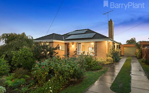 8 Meakin St, Watsonia North VIC 3087