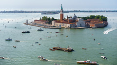Traffic (Jannik Peters) Tags: venice traffic boats crowdy amazing water lagoon turquoise sony fe 55mm 18 a7 a7ii