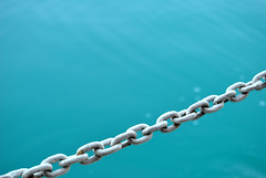 White chain above water (EtienneDelorieux) Tags: croatie croatia sea landscape nature water