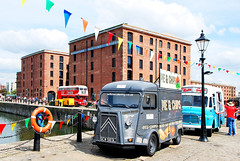 FAST FOOD ON THE DOCK... (tommypatto : ~ IMAGINE.) Tags: liverpool albertdock oldcars oldvehicles oldbuses