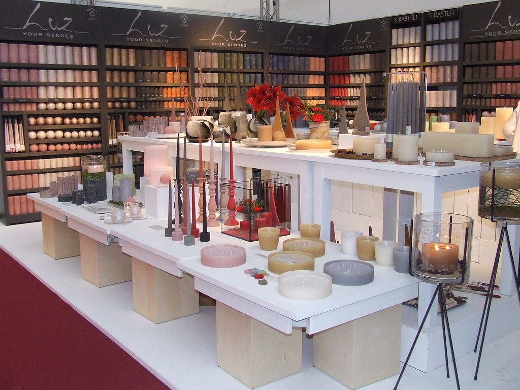 interior and exterior concepts of visual merchandising essay In considering the importance of visual merchandising on retail businesses the single and most important the exterior of your premises should be.