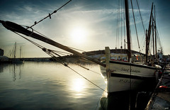 A Contraluz (candi...) Tags: barco velero contraluz puerto sol agua mar airelibre sonya77 ametllademar nautico