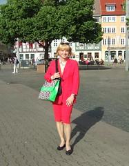 Red skirtsuit (Marie-Christine.TV) Tags: feminine transvestite lady mariechristine skirtsuit secretary sekretärin kostüm elegant business suit tgirl tgurl tv
